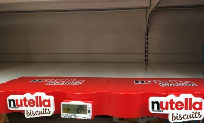 Nutella biscuits introvabili: scaffali vuoti e record di vendite infranti. Il nuovo prodotto di punta di casa Ferrero sono un vero fenomeno di tendenza.
