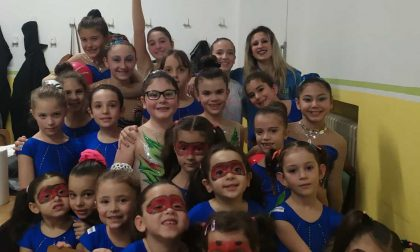 Le ragazze della ginnastica ritmica Judo Azzurro impegnate a Rivoli per beneficenza