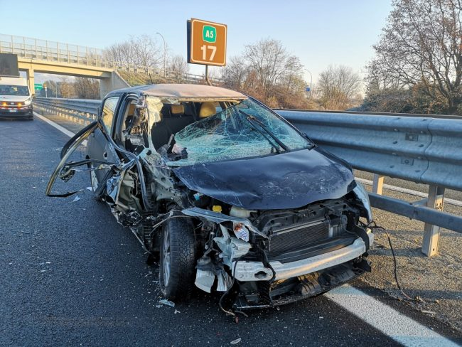 Schianto in autostrada fra Scarmagno e San Giorgio, ferito un 19enne di Ivrea