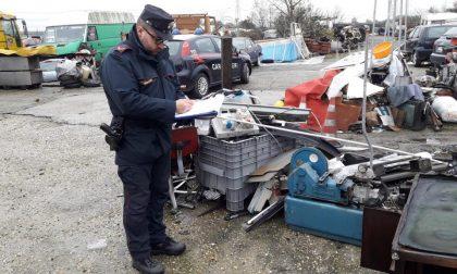 Deposito incontrollato di rifiuti speciali pericolosi scoperto dai carabinieri