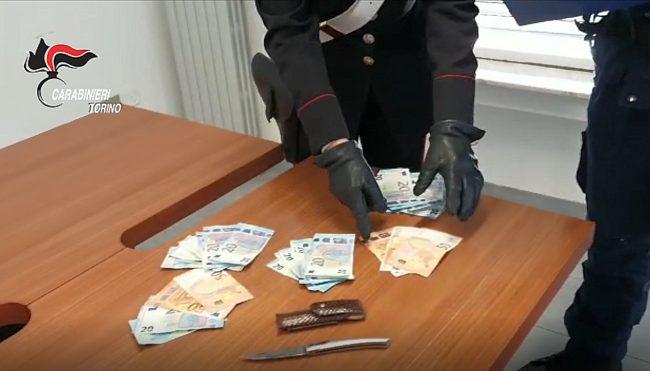 Rapina una farmacia a Venaria, scatta il piano antirapina e viene arrestato | FOTO
