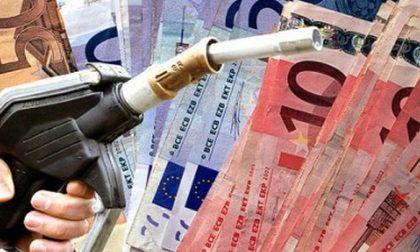 Aumento del carburante, per Codacons è falso attribuirlo alle tensioni in Medio-Oriente