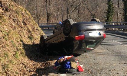 Incidente a Viù: auto si ribalta, un ferito