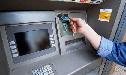 Venaria: Mentre preleva al bancomat gli rubano l'auto