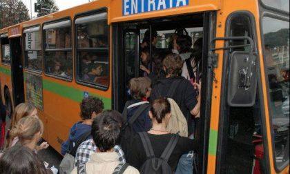 Ciriè: i bus per raggiungere le scuole Superiori sono troppo pochi