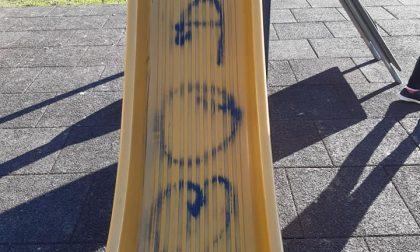 San Maurizio, individuati i vandali del parco giochi: le famiglie risarciranno il Comune e i privati