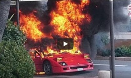 Ferrari F40 in fiamme, fumo visibile a chilometri | VIDEO