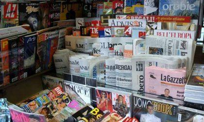 Al bar tornano giornali e carte da gioco