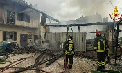 Incendio a Rivarossa, a fuoco un garage | FOTO