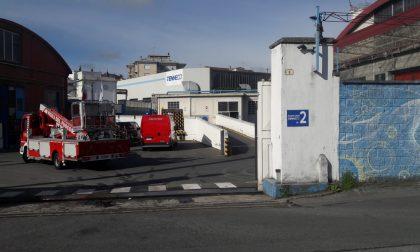 Allarme incendio in fabbrica a Cuorgnè, nessun ferito | FOTO