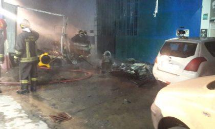 Incendio in una carrozzeria in frazione Muriaglio a Castellamonte | FOTO