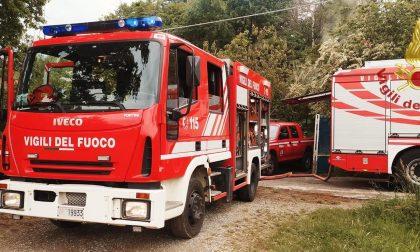 Incendio in una villetta, l'intervento dei Vigili del fuoco