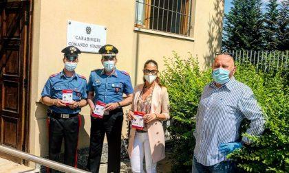 Imprenditrice cuorgnatese dona termometri a infrarossi a scuole, carabinieri, municipale e Rsa