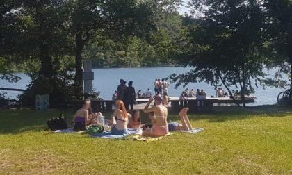 """Troppi assembramenti chiusa la """"piatta"""" al lago Sirio"""