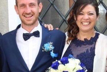 Michela e Massimiliano sposi con le mascherine a Ozegna | FOTO
