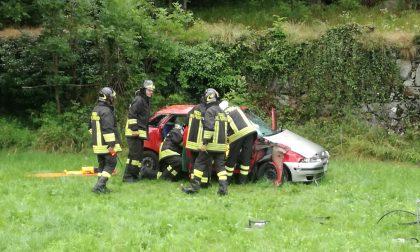 Auto fuori strada a Sparone, ferita una donna | FOTO