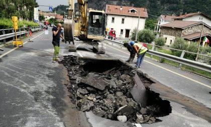 Voragine sulla provinciale traffico in tilt