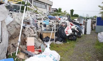 Discarica abusiva a cielo aperto in Canavese scoperta dalla Finanza | FOTO