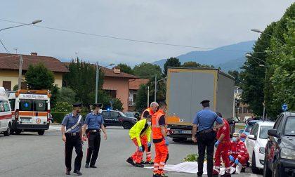 Incidente a Mathi, uomo muore schiacciato da un camion | FOTO
