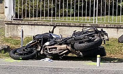 Scontro auto moto a Bollengo, muore centauro | FOTO