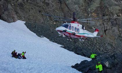 Intervento del Soccorso alpino a Usseglio: donna scivola lungo il sentiero a 3300 metri