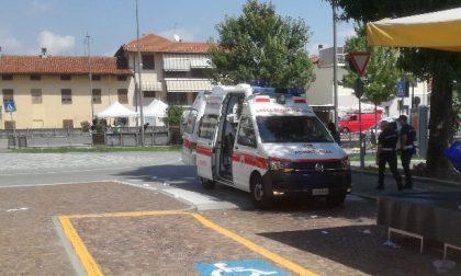 Caduta al mercato: trasportata in ospedale