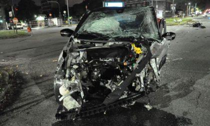 Tre auto coinvolte in un incidente in corso Francia   FOTO