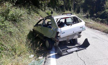Auto fuori strada a Ribordone, feriti due anziani
