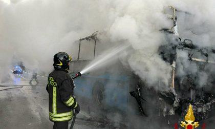 """Bus Gtt in fiamme a Torre, mezzo vecchio di 20 anni, Avetta (Pd): """"Servono nuovi mezzi, cosa sta facendo la Regione?"""""""