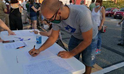 """""""Riaprite la piscina"""": già raccolte cento firme"""