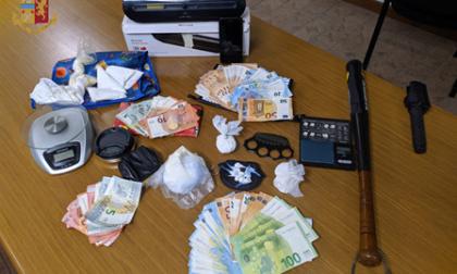 Cocaina nascosta nel fornetto: un arresto in un locale di Torino