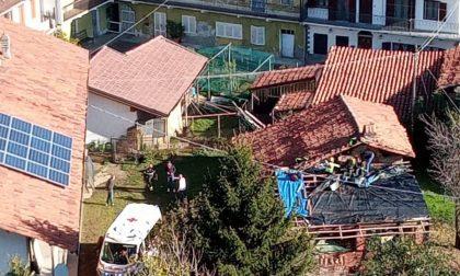 Malore improvviso, muore mentre lavora sul tetto di casa