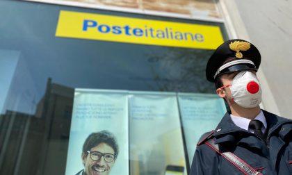 La pensione consegnata a domicilio dai carabinieri agli anziani over 75