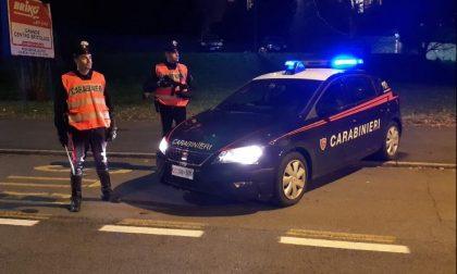Con un motorino rubato e in tasca la cocaina aggredisce i carabinieri, arrestato