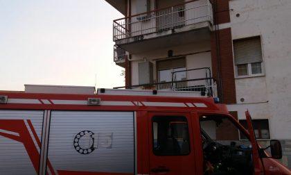 Cri e pompieri salvano un anziano caduto solo in casa