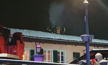 Fiano, camino in fiamme. Intervengono i vigili del fuoco