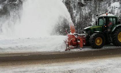 Valli di Lanzo via la neve dalle strade: mezzi in azione
