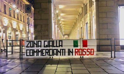 """Mascherine Tricolori in protesta: """"zona gialla, commercianti in rosso"""""""