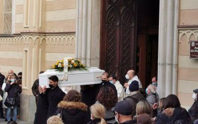Il dolore dell'addio a Simone, strappato alla vita ad appena 11 anni dalla leucemia