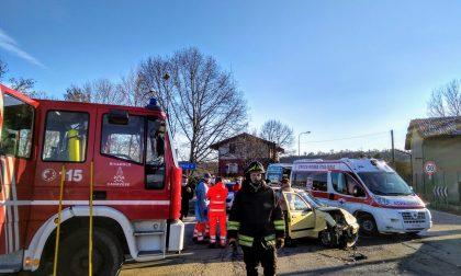 Incidente a Front due auto coinvolte