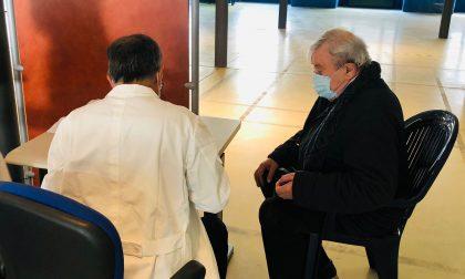Primo giorno di vaccini agli over 80 in Canavese