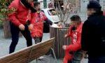 Carnevale di Ivrea 2021, la battaglia (abusiva) delle arance in piazza di Città | VIDEO