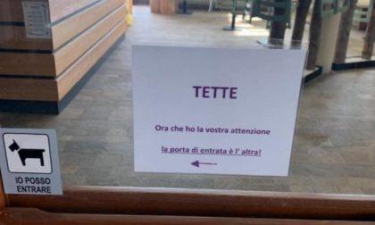 """Il cartello della funivia di Oropa con la scritta """"Tette"""" diventa virale"""