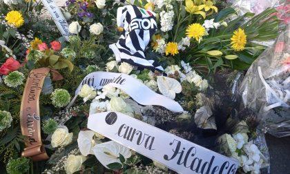 Bandiere, fumogeni e tifosi bianconeri per salutare Franco Calosso