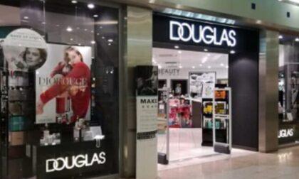 Crisi Douglas, chiudono altri negozi