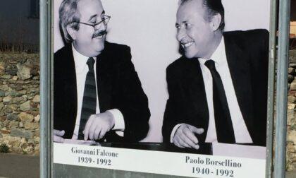 Gigantografia Falcone e Borsellino in memoria delle vittime della mafia
