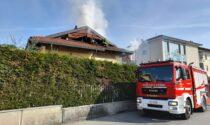 Tetto a fuoco a Castellamonte in via Brezzi
