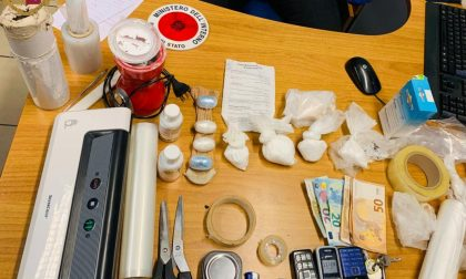 Cocaina nascosta nell'appartamento: arrestato pusher