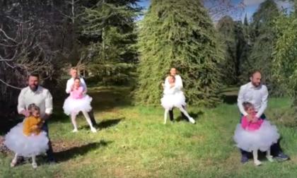 Piccole ballerine danzano con i loro papà sulle note di Ligabue