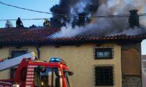 Incendio a Favria: famiglia evacuata